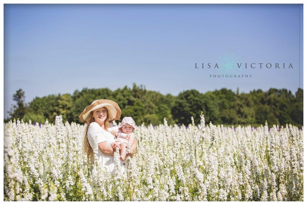 family photoshoot confetti flower fields